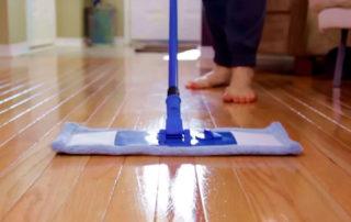 limpiar piso de madera
