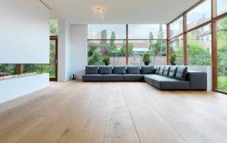 pisos de madera en diseño minimalista